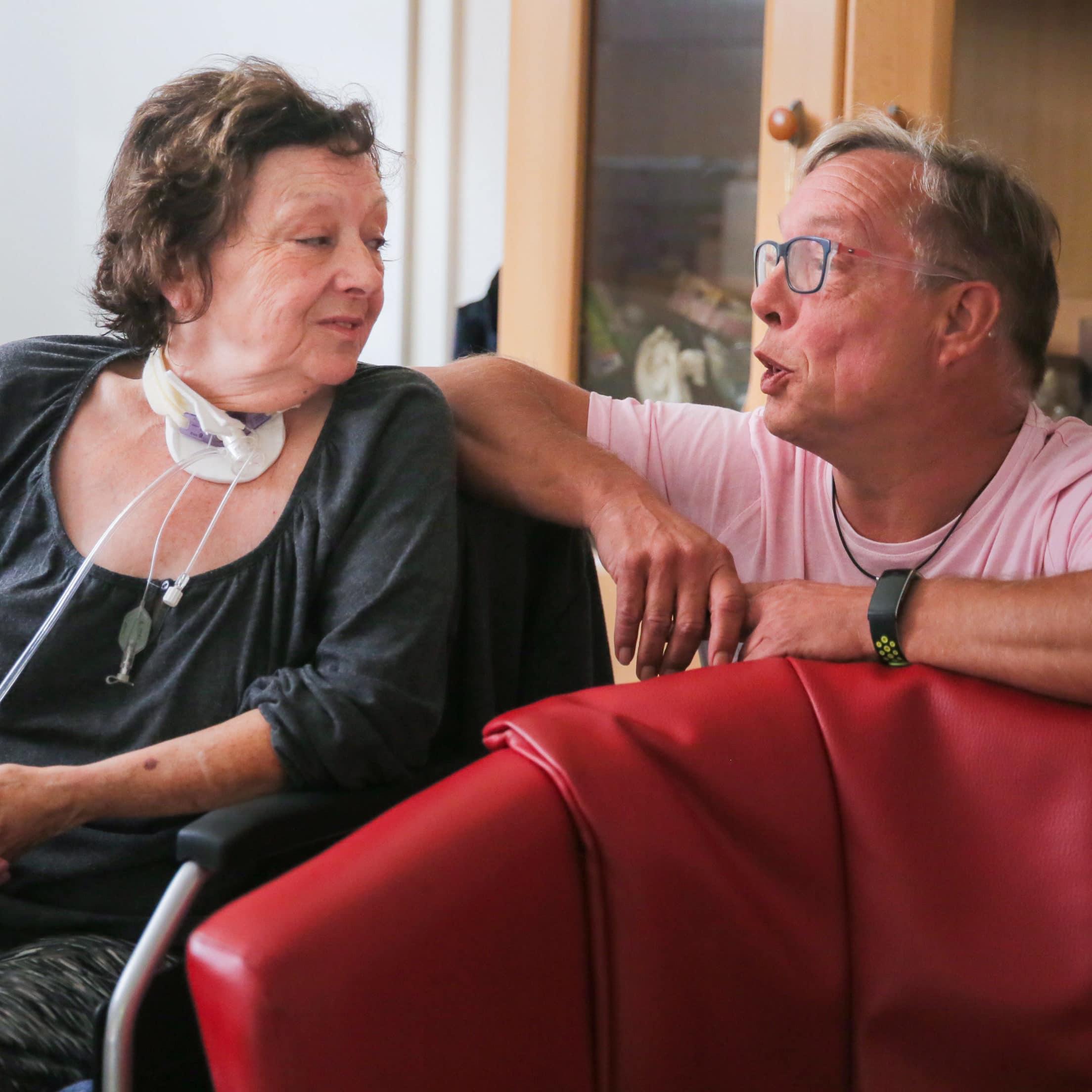 """""""Danke, dass ich noch lebe"""" – Klientin Irmgard zu Pflegefachkraft Werner"""